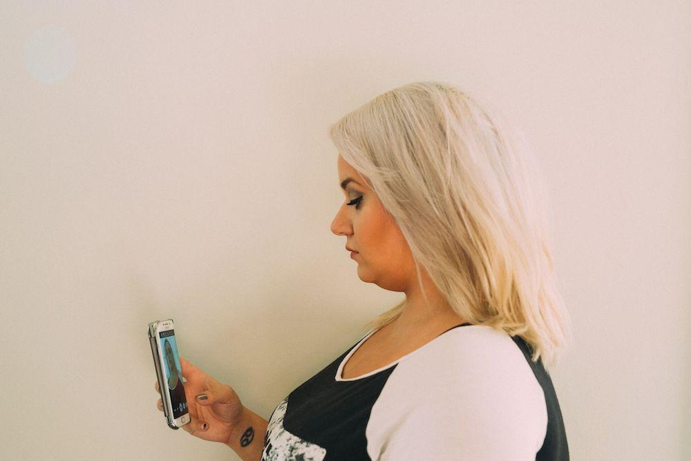 curvy selfie