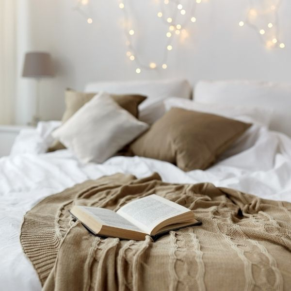 How To Give Your Bedroom That Relaxed Vibe